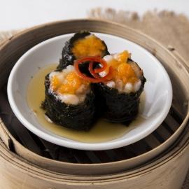 Crab meat seaweed rolls